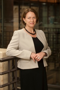 Inga Beale, Lloyd's  first female CEO, 'being more diverse is good for business' (Insurance Times 27.08.14)